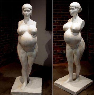 В Лос-Анджелесе выставлена скульптура Ким Кардашиян