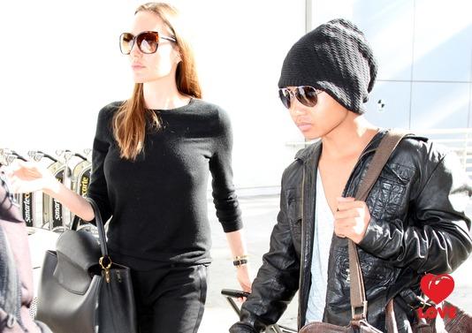 Анджелина Джоли и Брэд Питт сделали сыну дорогой подарок