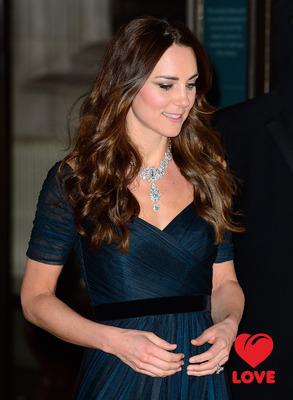 Кейт Миддлтон появилась в бриллиантовом колье Елизаветы II