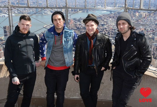 Fall Out Boy представили два новых клипа