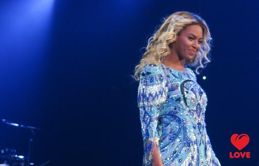 Фанаты Бейонсе призвали певицу уделять больше времени дочери