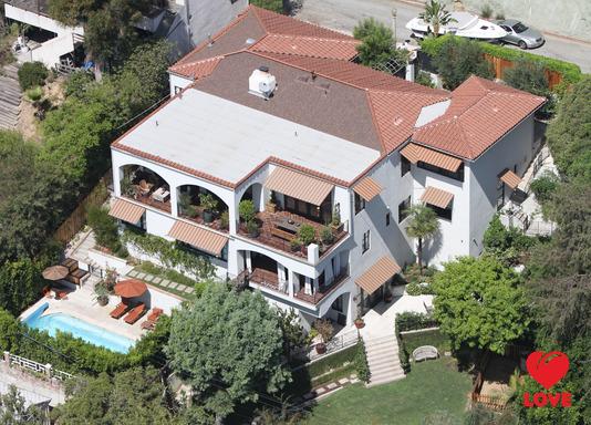 Меган Фокс и Брайан Остин Грин купили новый дом