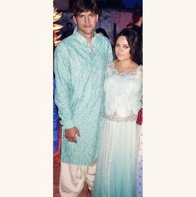 Мила Кунис и Эштон Катчер посетили индийскую свадьбу