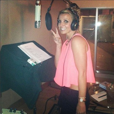 Бритни Спирс: «Сегодня в студии! Ура!»