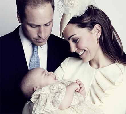 Принц Уильям с женой и сыном