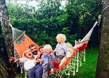 Полина Гагарина со своей семьей!