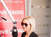 Ольга Бузова в гостях у Красавцев