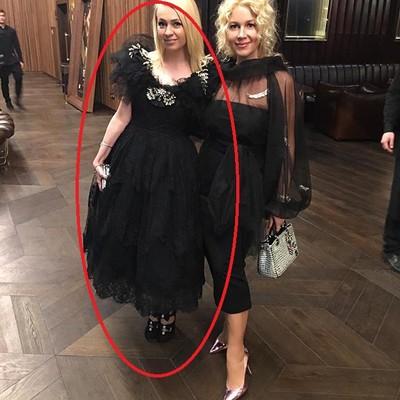 Яна Рудковская любит черные платья