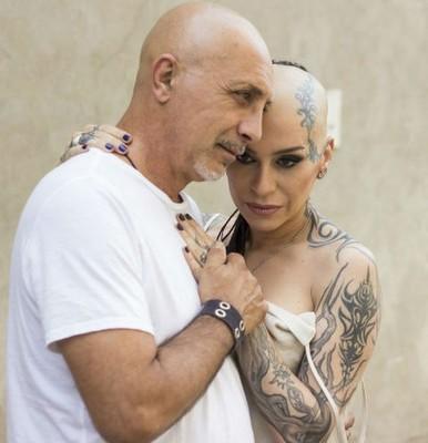 Наргиз Закирова и ее супруг