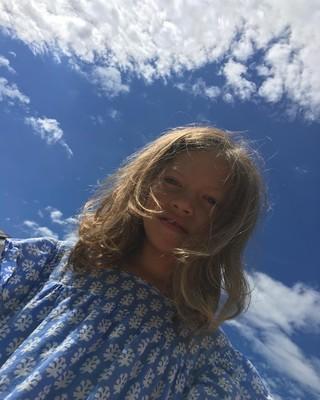 Сара - младшая дочь Веры Брежневой