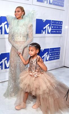 Бейонсе с дочкой на MTV VMA