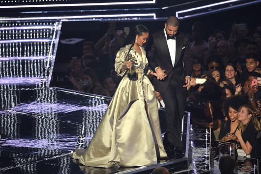 Рианна и Дрейк на церемонии награждения MTV VMA 2016