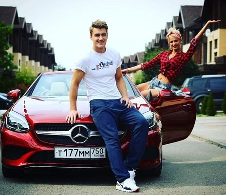 Алексей Воробьев и Полина Максимова