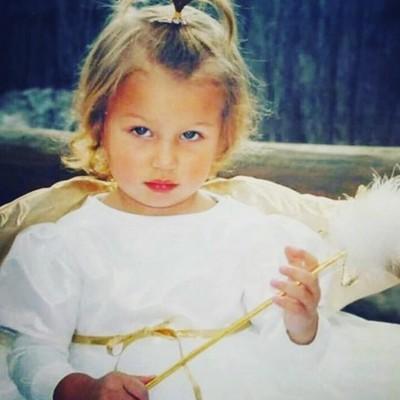 Белла Хадид в детстве