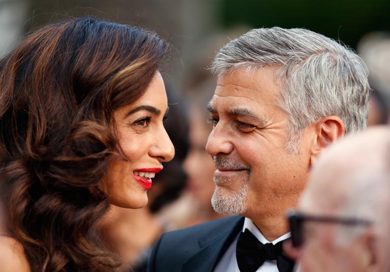 Амаль Клуни весной родит двойню