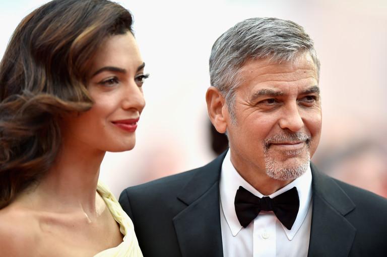 38-летняя беременная Амаль Клуни впервый раз  вышла всвет