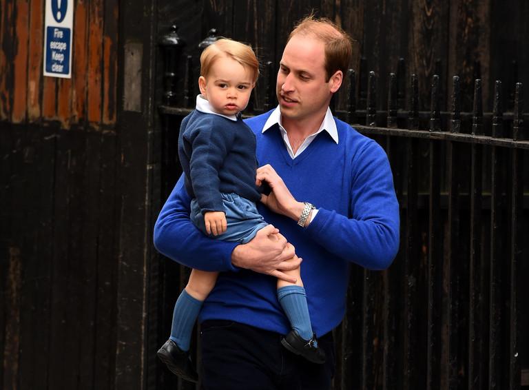 Принц Джордж Кембриджский и принц Уильям