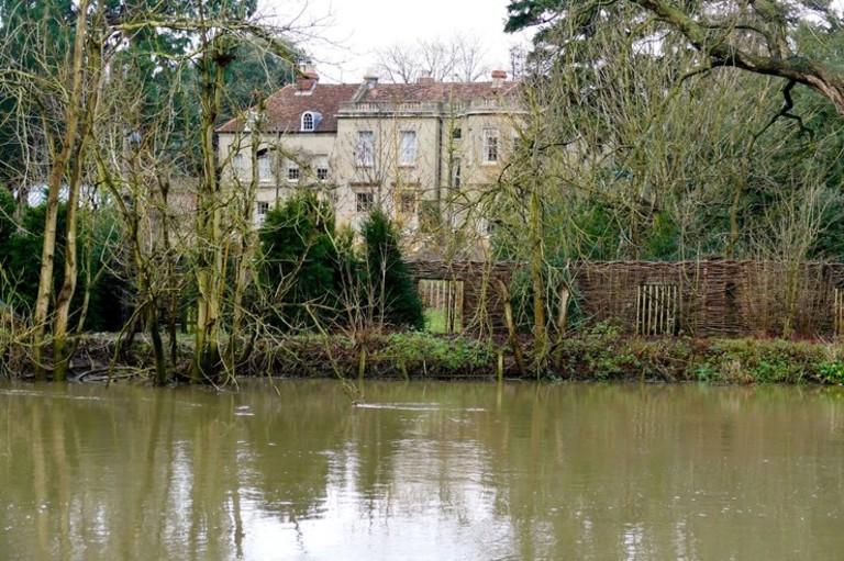 Дом Джорджа и Амаль Клуни в Соннинге, Беркшир