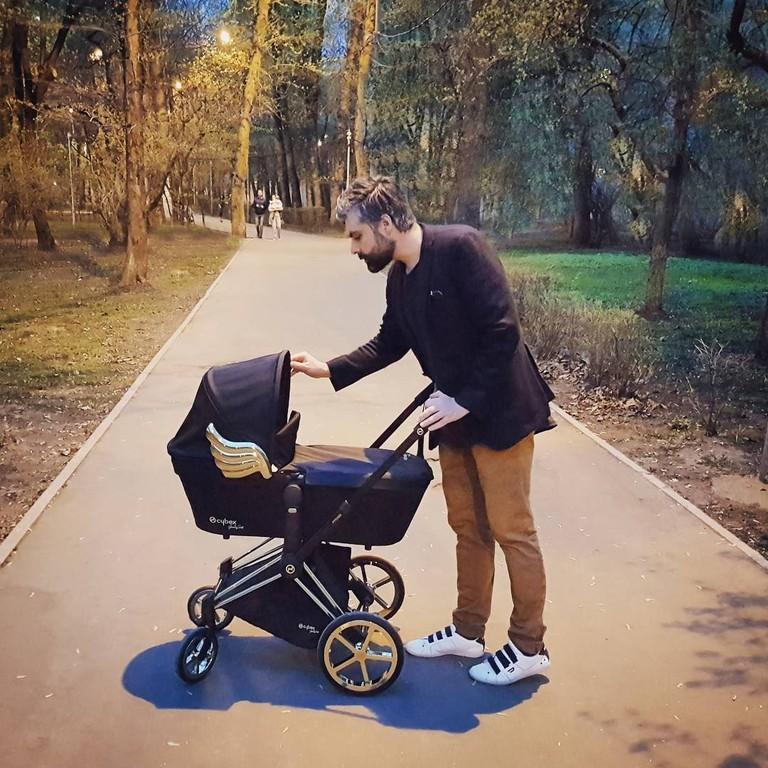 Дмитрий Исхаков с дочкой