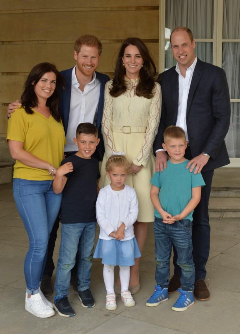 Картинки по запросу принц Уильям, Кейт Миддлтон и принц Гарри