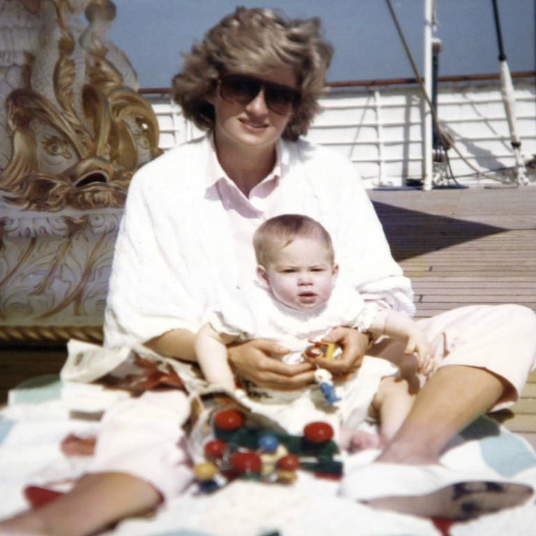 Эксклюзивные фото из архива сыновей принцессы Дианы