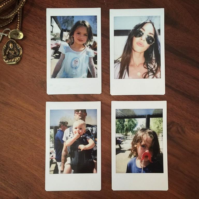 Меган Фокс с мужем и детьми