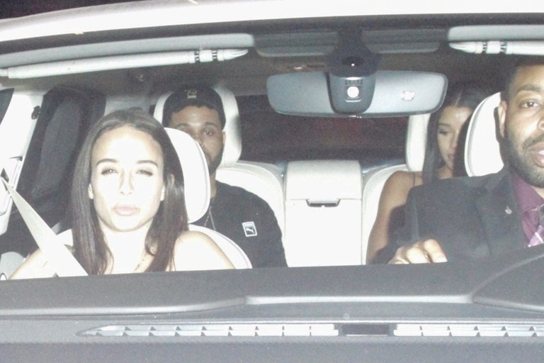 The Weeknd и Джованна Вентура (на заднем сиденье)