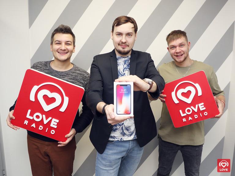 Красавцы и Алексей Аксенов