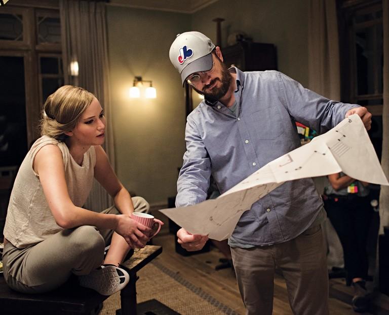 Дженнифер Лоуренс и Даррен Аронофски на съемках фильма «мама!»