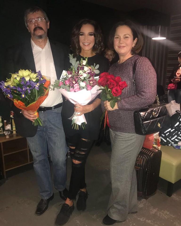 Ольга Бузова с родителями