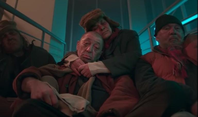 Кадры из клипа «Цвет настроения синий»