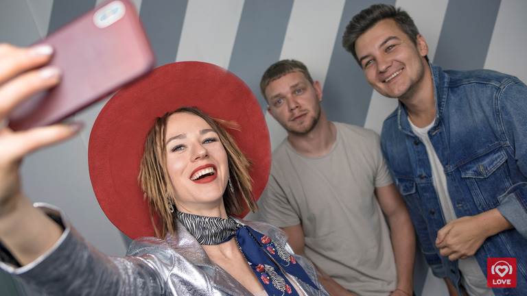 Катя Иванчикова и Красавцы Love Radio