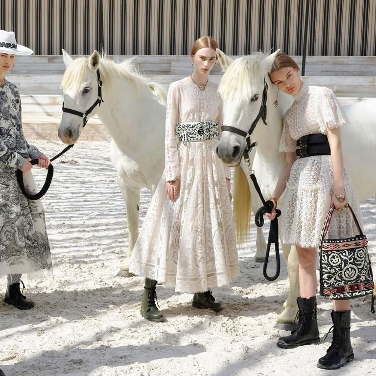 Показ Dior в Париже