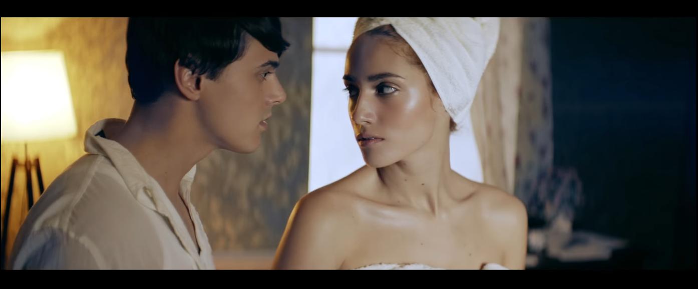 Кадр из клипа «Сберегу»
