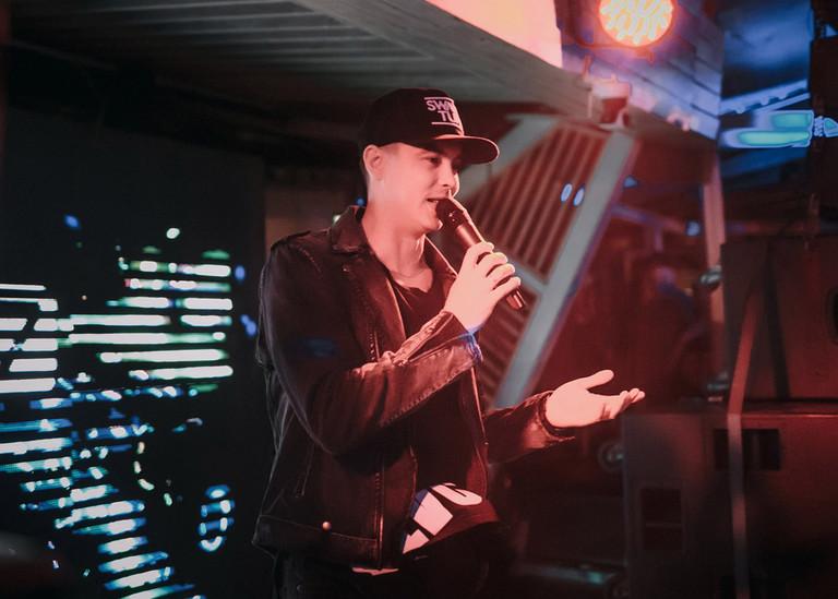 Ведущий Love Radio Антон Бурнышев