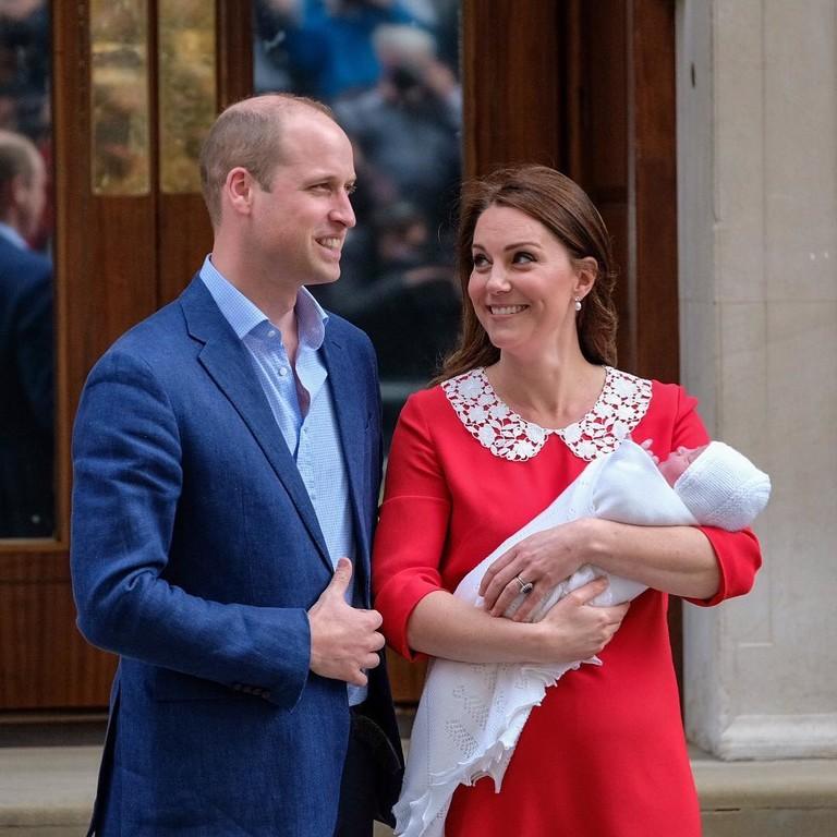 Принц Уильям и Кейт Миддлтон с сыном