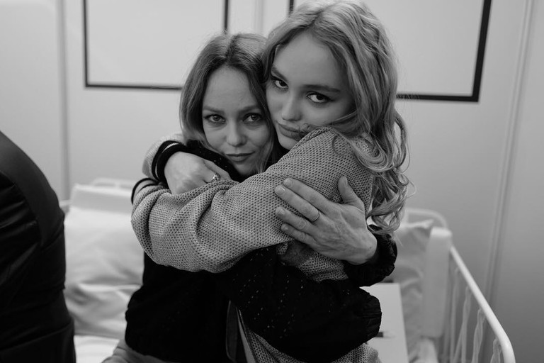 Ванесса Паради с дочерью Лили-Роуз Депп