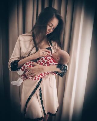 Анастасия Костенко с дочкой