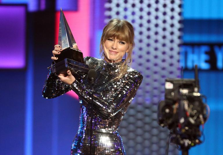 Тейлор Свифт на премии American Music Awards 2018