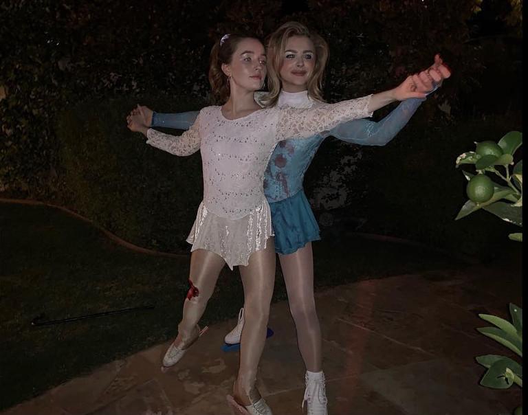 Хлоя Морец и Кейтлин Девер