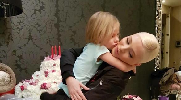 Дочь Тимати нежно поздравила маму
