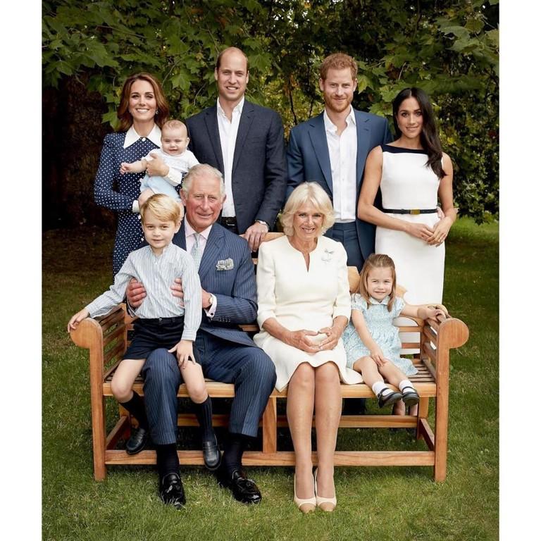 Принц Чарльз, герцоги Сессекские и Кембриджские с детьми