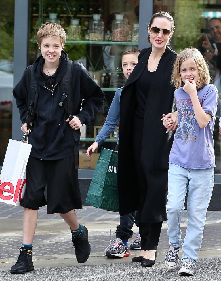 Анджелина Джоли с детьми, 2018 год