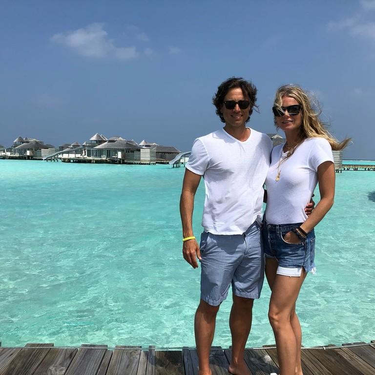 Гвинет Пэлтроу и Брэд Фэлчак на Мальдивах