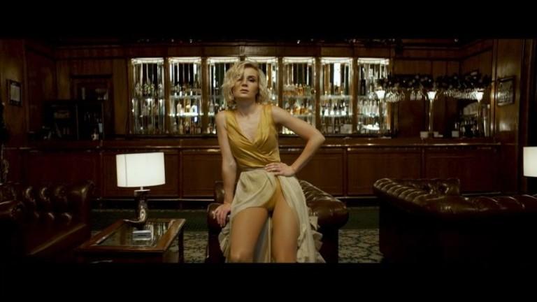 Кадр из клипа «Меланхолия»