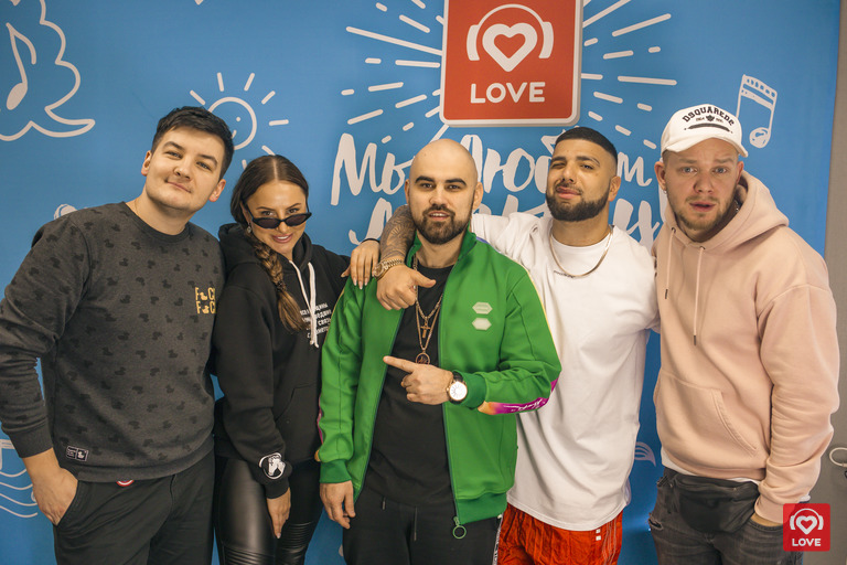 Artik & Asti и Артем Качер с Красавцами Love Radio