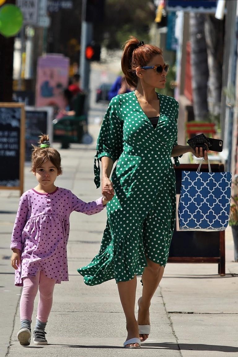 Ева Мендес с дочкой Эсмеральдой