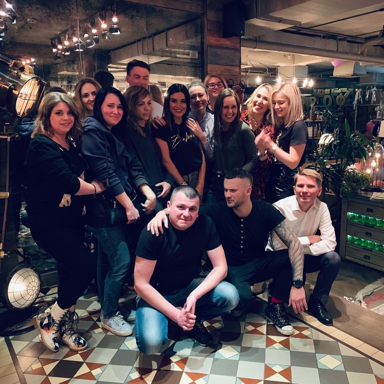 Ксения Бородина с одноклассниками