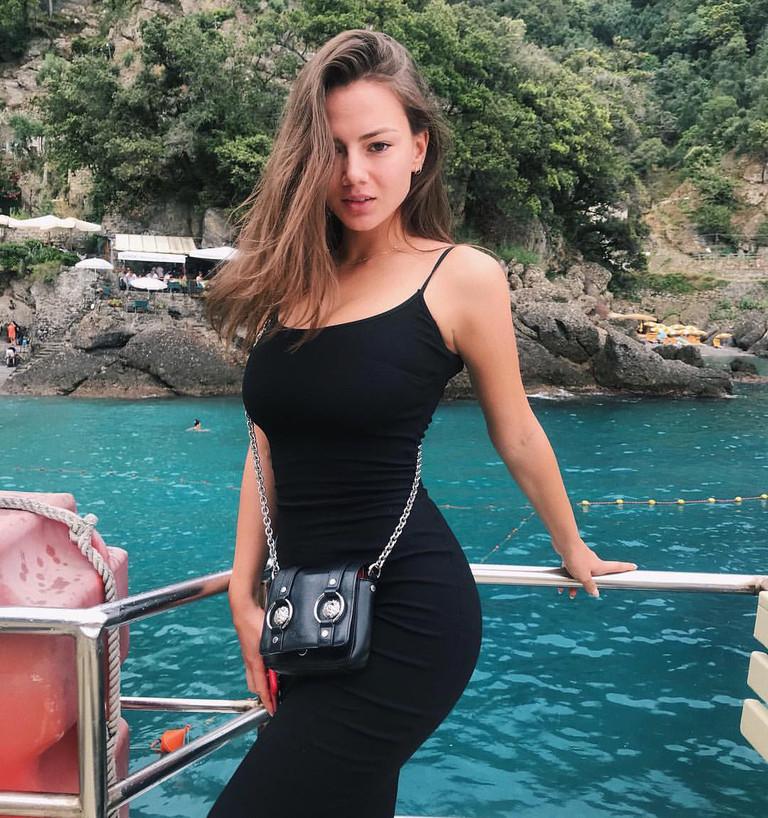 Новая девушка Джонни Деппа Полина Глен