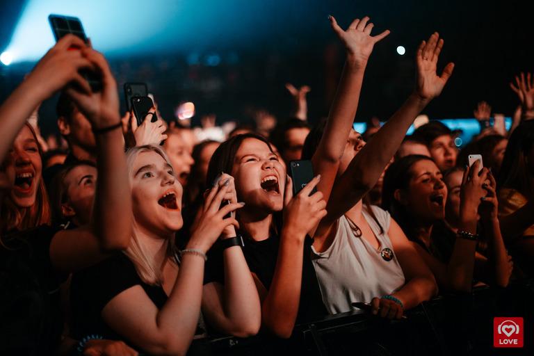Зрители на концерте Тимы Белорусских